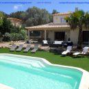 Location d'une villa avec piscine classée 4 étoiles pour huit personnes à Palombaggia en Corse du sud.