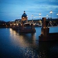 Découvrir la charmante ville de Toulouse à bord d'un taxi