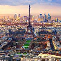 France : une réforme est indispensable pour les taxis et les VTC
